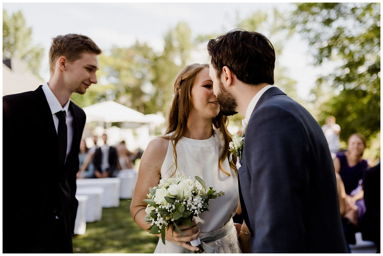 Braut wird dem Bräutigam übergeben